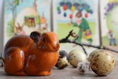 Coelhos um marrons com ovos de codorniz Imagem de Stock Royalty Free
