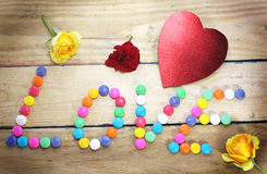 Coeur avec des sucreries Photo stock