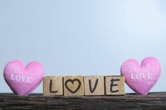 Coeur avec l'alphabet en bois Photo libre de droits