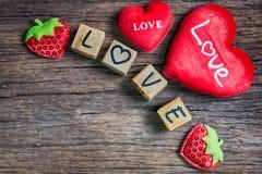 Coeur avec l'alphabet en bois Images libres de droits