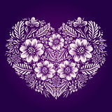 Coeur avec l'ornement ethnique de fleur Style traditionnel ukrainien Photo stock