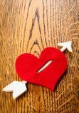 Coeur avec la flèche Photographie stock