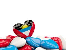 Coeur avec le drapeau de l'Antigua et du Barbuda Photographie stock libre de droits