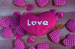 Coeur avec un amour d'inscription Photos libres de droits