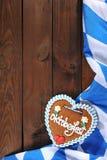 Coeur bavarois de pain d'épice avec le drapeau bavarois Photographie stock