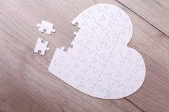 Coeur blanc de puzzle Image stock