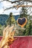 Coeur brûlant Créations en bois Un morceau de bois aiment un ha humain Photo stock