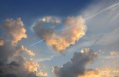 Coeur brûlant L'amour est dans le ciel Photographie stock libre de droits