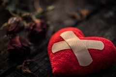 Coeur brisé, concept de jour d'amour et de valentines Photographie stock
