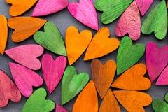 Coeur coloré sur le fond gris Photographie stock libre de droits