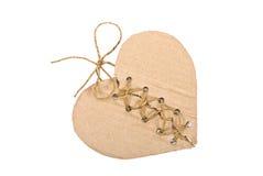Coeur déchiré de carton avec la corde Images stock