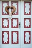Coeur décoratif sur l'amour d'entrée principale, jour du ` s de Valentine, Febru Image stock