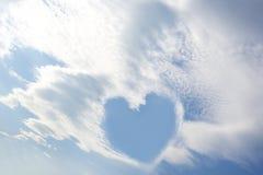 Coeur d'amour de ciel bleu Image stock
