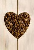 Coeur d'amour de grains de café Image stock