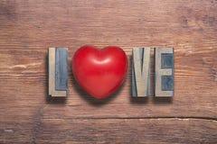 Coeur d'amour en bois Photo stock