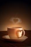 Coeur d'amour et tasse de café Photographie stock