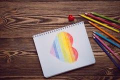 Coeur d'arc-en-ciel de dessin Images libres de droits