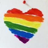 Coeur d'arc-en-ciel peint par drapeau gai de lgbt Image stock