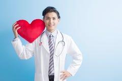 Coeur d'exposition de docteur à vous Images stock