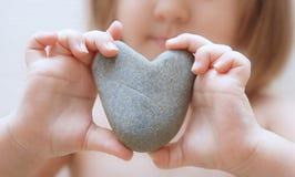 Coeur d'une pierre photographie stock libre de droits