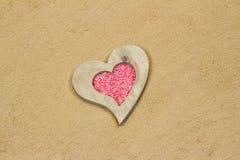 Coeur dans le sable. Photographie stock libre de droits