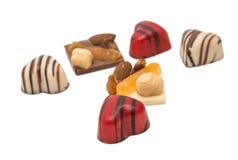 coeur de bonbons au chocolat d'isolement Images stock