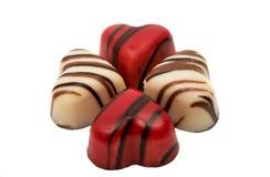 coeur de bonbons au chocolat d'isolement Photographie stock libre de droits