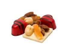 coeur de bonbons au chocolat d'isolement Photos stock