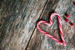 Coeur de cannes de sucrerie pour la Saint-Valentin photos libres de droits