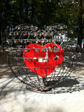 Coeur de fer avec des cadenas pour la chance Image libre de droits