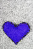 Coeur de feutre de bleu marine Image libre de droits