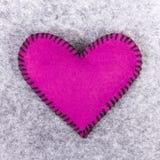 Coeur de feutre de rose Photo libre de droits