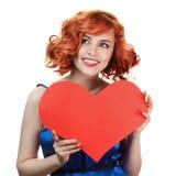 Coeur de jour de Valentines de fixation de femme d'isolement Photos stock