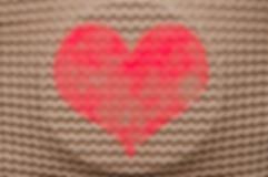 Coeur de jour de valentines Forme de coeur d'amour sur le fond naturel Photos stock