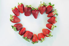 Coeur de la fraise mûre entière Vue de ci-avant Fond de coeur Fond de fraise Fond de fruit Texture Image stock