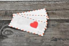Coeur de lettre et d'amour Photographie stock