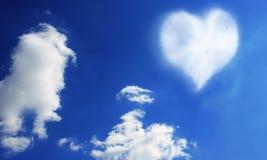 Coeur de nuage Photos stock