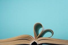 Coeur de page de livre Images stock