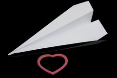 Coeur de papier d'avion et d'amour Photo stock