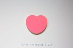 Coeur de papier de jour de valentines sur le blanc Photos stock