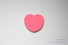 Coeur de papier de jour de valentines sur le blanc Photos libres de droits