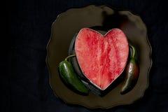Coeur de pastèque avec des poivrons photographie stock libre de droits