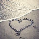 Coeur de sable de plage Image stock
