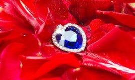 Coeur de saphir la Saint-Valentin Images libres de droits