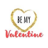 Coeur de scintillement d'or avec l'inscription Soyez mon Valentine Images stock