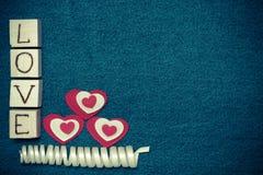 Coeur de textile, AMOUR d'inscription Image libre de droits
