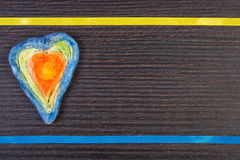 Coeur de Valentine fait en pâte de sel et ruban, symbole de l'amour, l'espace de copie pour le texte Image libre de droits