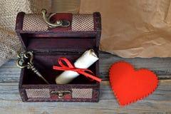 Coeur de valentines, lettre d'amour et clé Images libres de droits