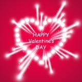 Coeur des feux d'artifice lumineux d'ith de lampes sur le fond rose Carte de jour de Valentines Coeur avec l'inscription je t'aim Photos stock