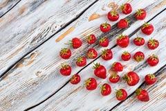 Coeur des fraises et de l'espace de copie Photographie stock libre de droits
